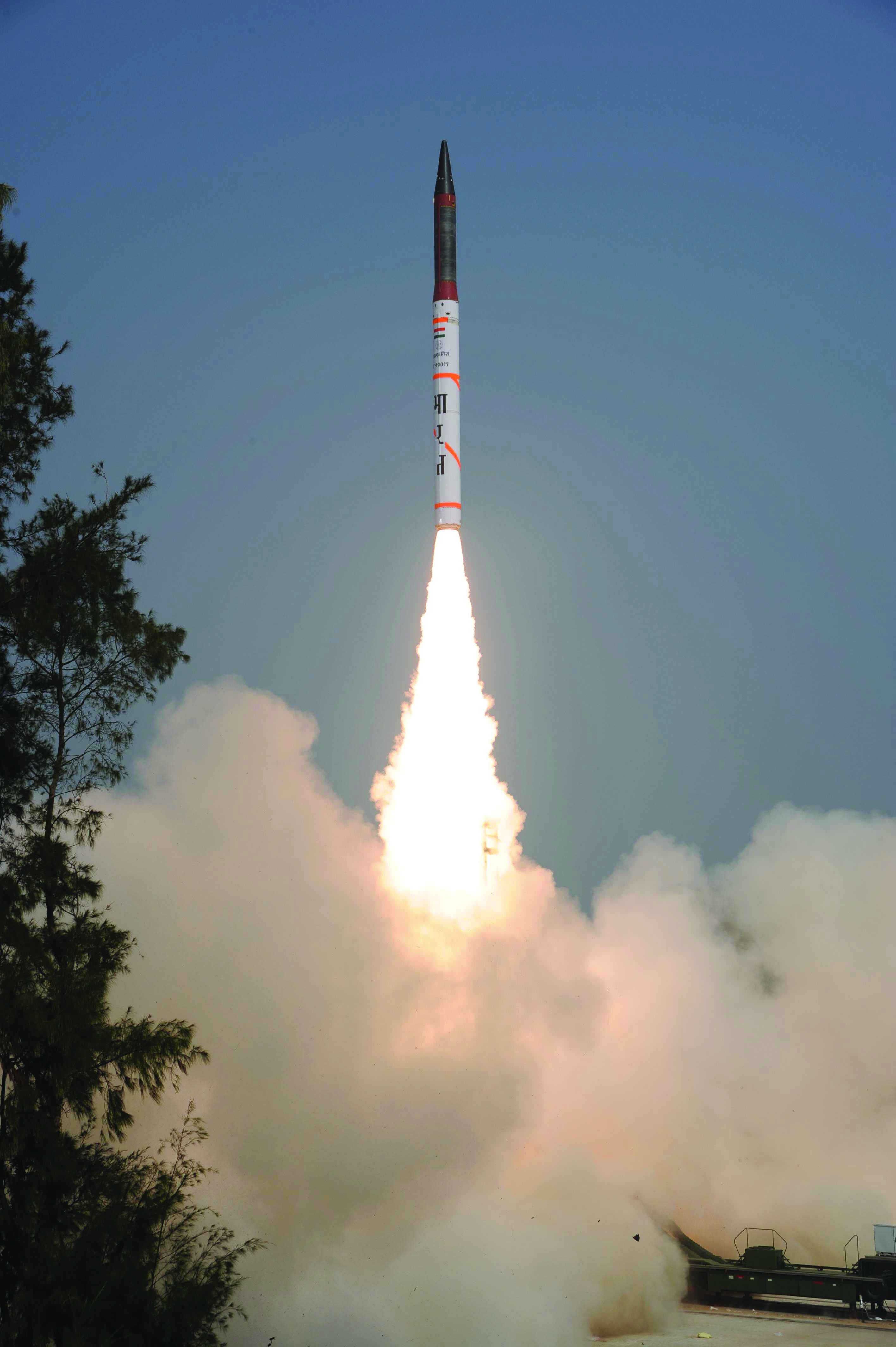 India successfully test-fired its nuclear-capable Agni-IV ballistic missile with a strike range of over 4000 km from Wheeler Island off Odisha coast on Jan.20, 2014.