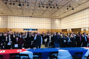 Two hundred people were sworn in at the John F. Kennedy Library in Boston where the keynote speaker was an Indian-American entrepreneur from Silicon Valley. (Photo: courtesy Indiaspora)
