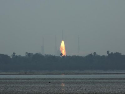 India's Polar Satellite Launch Vehicle (PSLV) C45, carrying Electromagnetic Spectrum Measurement satellite 'EMISAT' and 28 other satellites, lifts off from the Satish Dhawan Space Centre in Sriharikota, India, April 1, 2019. REUTERS/P. Ravikumar