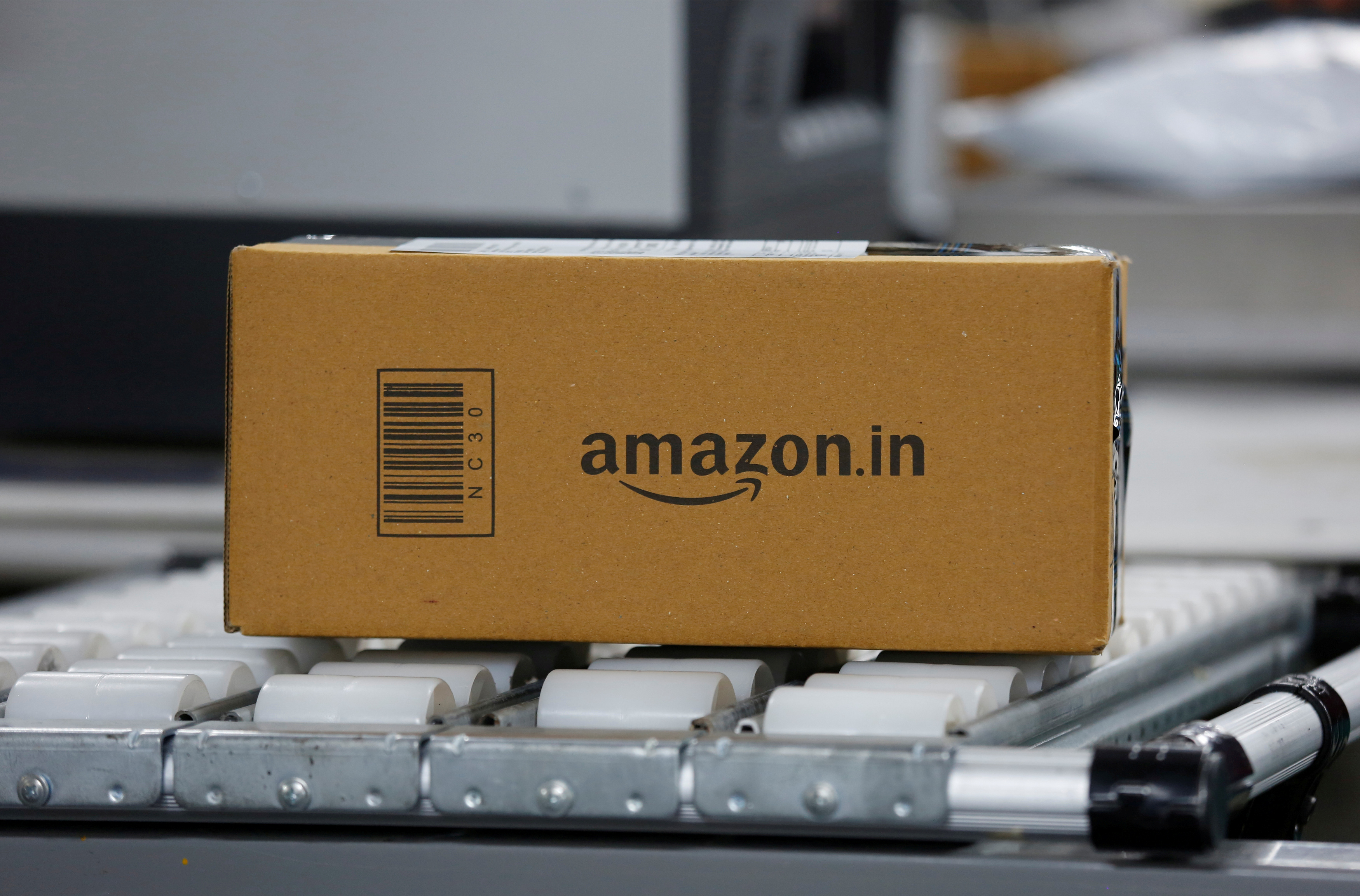 Amazon India plans to scrap single-use plastic, joins rival