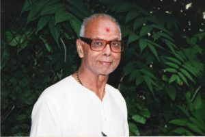 Pujari Pratapbhai Raval, the first Hindu priest at the first BAPS Swaminarayan Temple in Flushing, Queens, NY, who officiated from 1974-2000, and continued to help after that, died May 13, 2020. (Photo: courtesy BAPS)